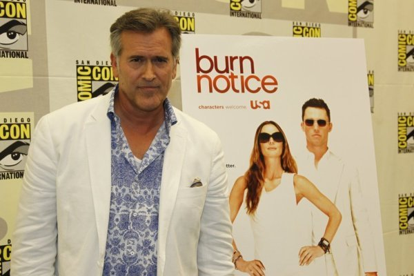 BURN NOTICE Comic Con Press Room Photos