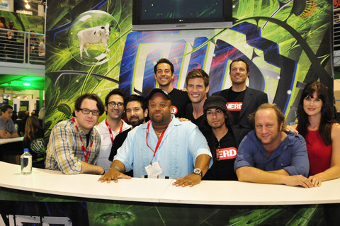 CHUCK Cast Signing Autographs At Comic Con