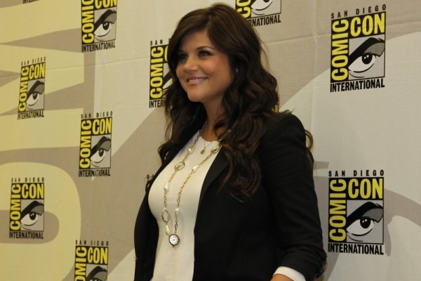 WHITE COLLAR Comic Con Press Room Photos