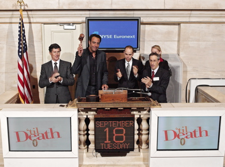 Brad Garrett Rings NYSE Closing Bell Photo