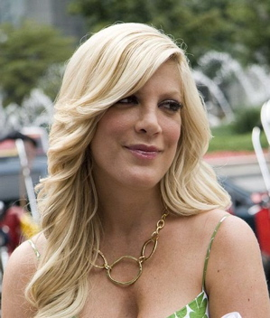 Tori Spelling Talks To Entertainment Weekly About The New 90210