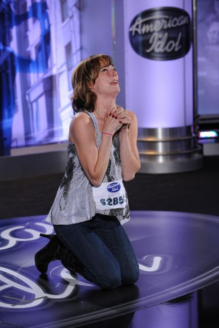 AMERICAN IDOL Season 10 Episode 1 Photos