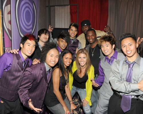 America's Best Dance Crew Season 3 champions Quest Crew pose with actor Quinton Aaron