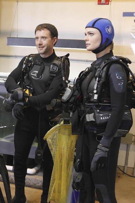 Bones Season 5 Episode 18 The Predator In The Pool Promo Photos