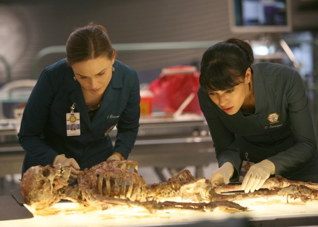 Bones Season 5 Episode 21 The Boy With The Answer Promo Photos