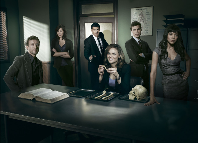 http://www.seat42f.com/images/stories/tvshows/Bones/Season5/bones_GroupOffice_rjwFV22.jpg Crossbones Tv Show