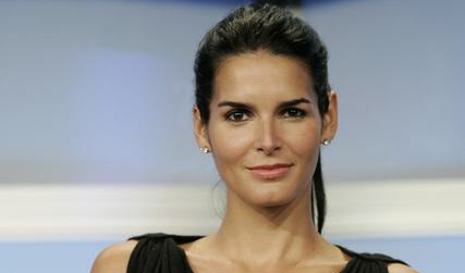 Hot or Not? Angie-harmon-womens-murder-club-2