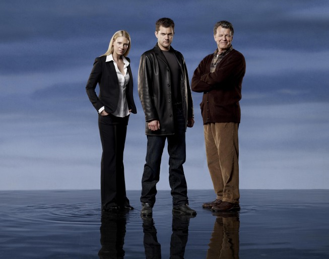 Fringe Season 2 Cast Photo