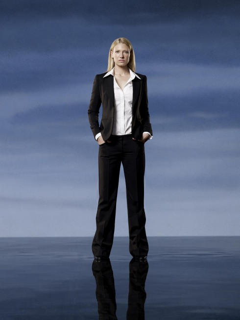 Fringe Season 2 Cast Photo Anna Torv