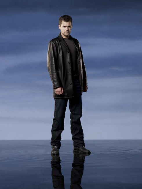 Fringe Season 2 Cast Photo Josh Jackson
