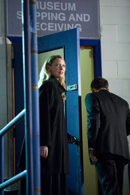 FRINGE Season 3 Episode 12 Concentrate And Ask Again Photos