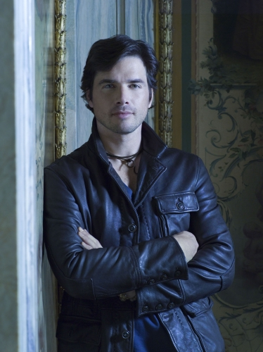 Matthew Settle Gossip Girl Photo