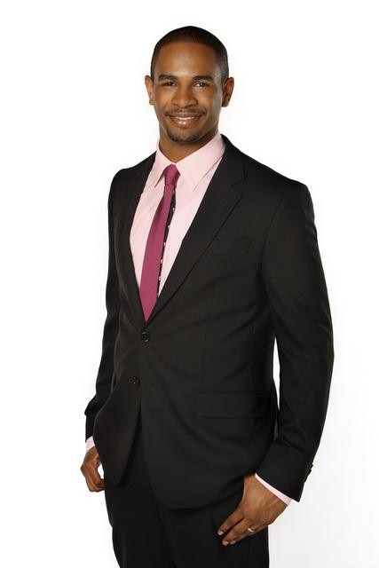 http://seat42f.com/images/stories/tvshows/HappyEndings/HAPPY-ENDINGS-DAMON-WAYANS-JR.jpg
