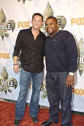 Anthony Anderson Cole Hauser Photo