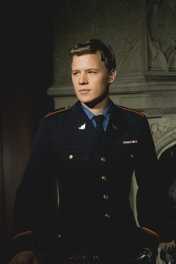 Chris Egan as David Shepherd on Kings