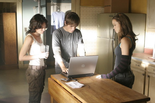 Terminator - The Sarah Connor Chronicles Season 1 Episode 5 Queen's Gambit Photos