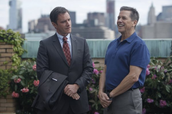 WHITE COLLAR Season 2 Episode 1 Withdrawal Promo Photos