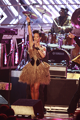 Rihanna Grammy Photo