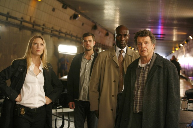 *FRINGE* (MU-RS)(Scifi/Accion) Fringe-cast