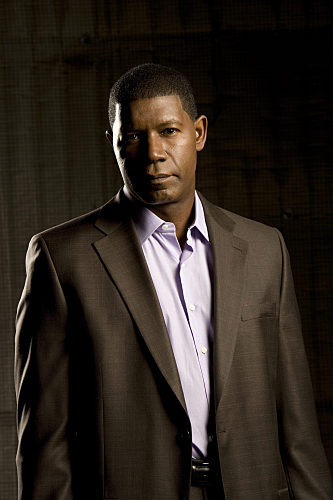 Dennis Haysbert (Jonas Blane) stars in CBS' THE UNIT - Photo: Cliff Lipson/CBS
