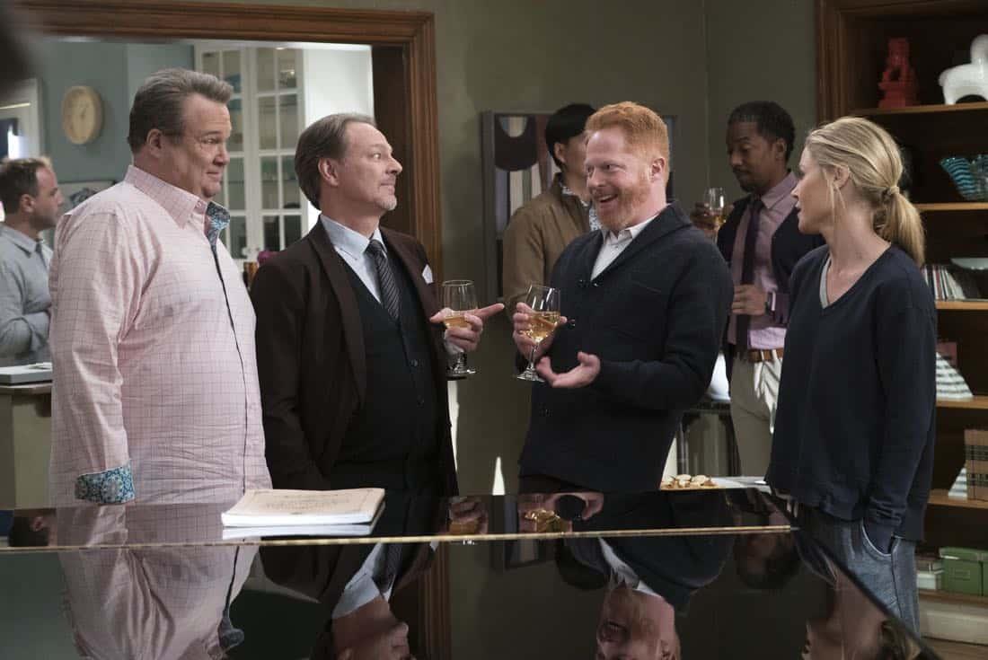 Modern Family Episode 9 Season 14 Spanks for the Memories 04