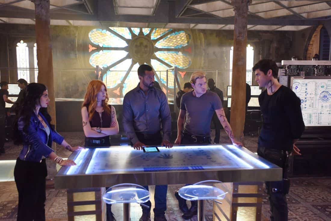 Shadowhunters Episode 1 Season 3 On Infernal Ground 08